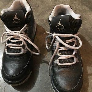 Boys Jordan's size 6